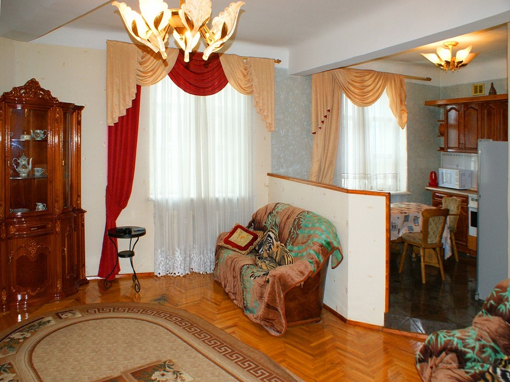 квартиры в Новосибирске посуточно недорого на Станиславского 12